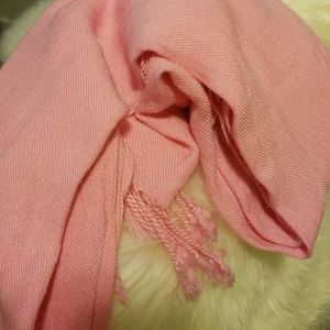 Accessories - Soft baby pink wrap